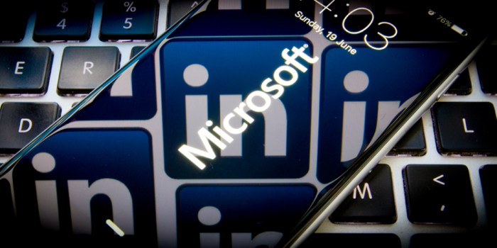 Microsoft Banks on AI and LinkedIn Data to Challenge Salesforce